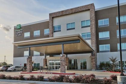 Exterior | Holiday Inn Express & Suites Houston East - Beltway 8