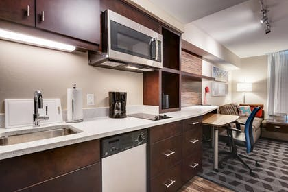 In-Room Kitchen | TownePlace Suites by Marriott Austin North/Tech Ridge