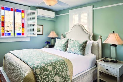 Guestroom | The Collector Inn (Adults Only)
