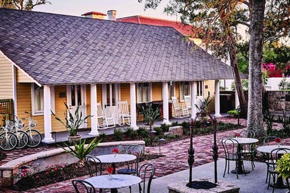 Outdoor Dining | The Collector Inn (Adults Only)