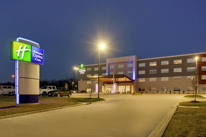Exterior | Holiday Inn Express & Suites Mount Vernon