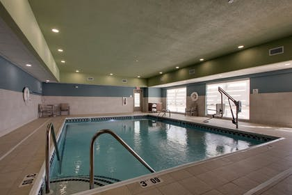 Pool | Holiday Inn Express & Suites Mount Vernon