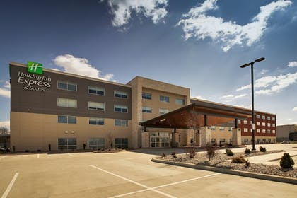 Featured Image | Holiday Inn Express & Suites Mount Vernon