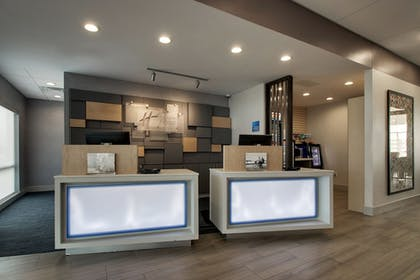 Lobby | Holiday Inn Express & Suites Mount Vernon