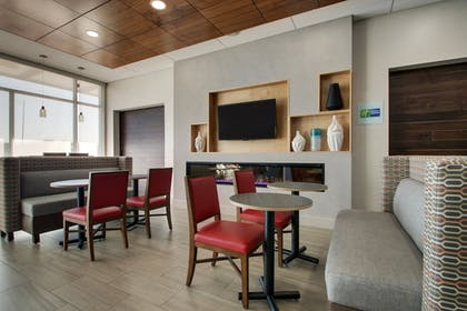 Breakfast Area | Holiday Inn Express & Suites Mount Vernon