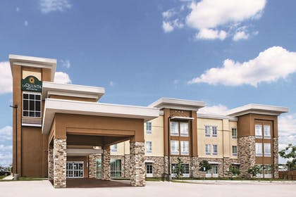 Featured Image | La Quinta Inn & Suites by Wyndham San Antonio by AT&T Center