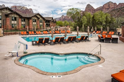 Outdoor Pool | SpringHill Suites by Marriott Springdale Zion National Park