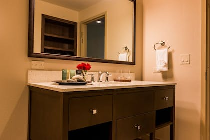 Bathroom | The Lodge at Columbia Point