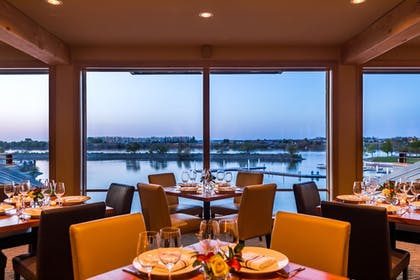 Restaurant | The Lodge at Columbia Point