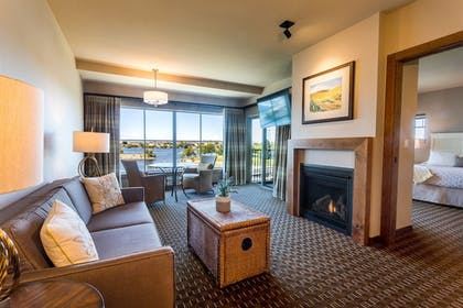Living Room | The Lodge at Columbia Point