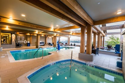 Indoor Pool | The Lodge at Columbia Point
