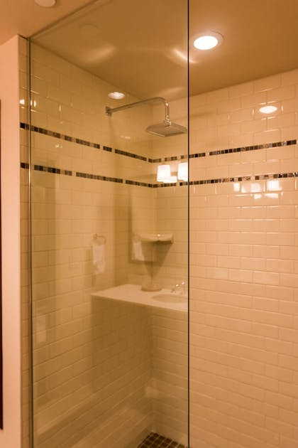Bathroom Shower | The Lodge at Columbia Point