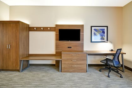 Guestroom | Holiday Inn Express Evansville