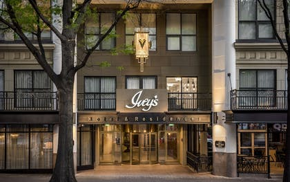 Featured Image | The Ivey's Hotel