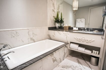 Bathroom | The Ivey's Hotel