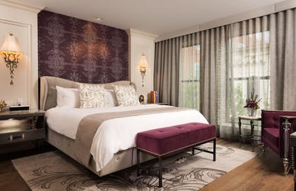 Guestroom | The Ivey's Hotel