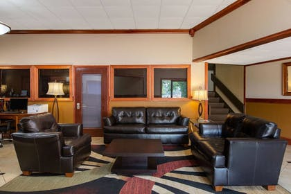 Lobby | AmericInn by Wyndham La Crosse Riverfront-Conference Center