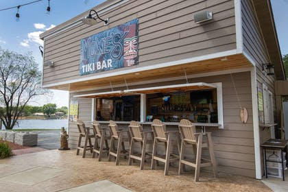 Swim-up Bar | AmericInn by Wyndham La Crosse Riverfront-Conference Center