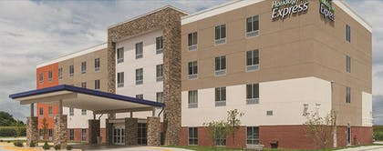 Hotel Front | Holiday Inn Express & Suites Brenham South