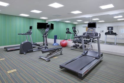 Fitness Facility | Holiday Inn Express & Suites Parkersburg East