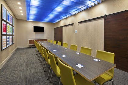 Meeting Facility | Holiday Inn Express & Suites Parkersburg East