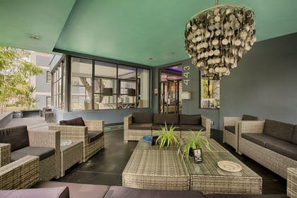 Lobby Sitting Area | Avalon Hotel Downtown St. Petersburg