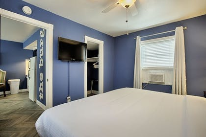 | Suite, 1 Bedroom (Apartment in separate building) | Avalon Hotel Downtown St. Petersburg