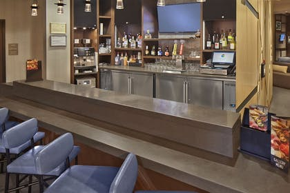 Hotel Bar | Hyatt Place Chapel Hill / Southern Village