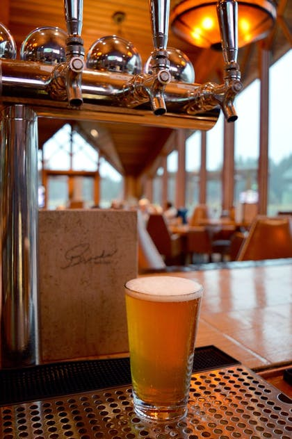 Sports Bar | The Lodge at Edgewood Tahoe