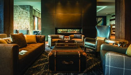 Hotel Lounge | The Lodge at Edgewood Tahoe