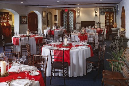 Banquet Hall | The Colonial Houses - A Colonial Williamsburg Hotel