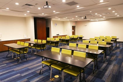 Meeting Facility | Holiday Inn Express & Suites Houston IAH - Beltway 8