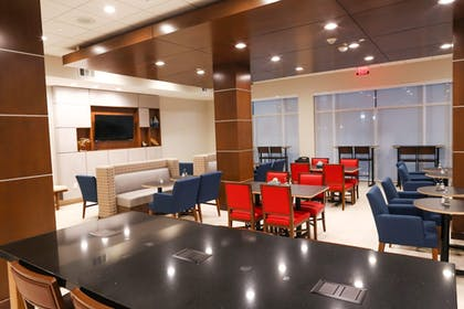 Breakfast Area | Holiday Inn Express & Suites Houston IAH - Beltway 8