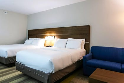 Guestroom | Holiday Inn Express & Suites Houston IAH - Beltway 8