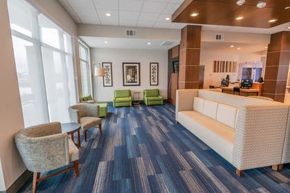 Lobby | Holiday Inn Express & Suites Houston IAH - Beltway 8