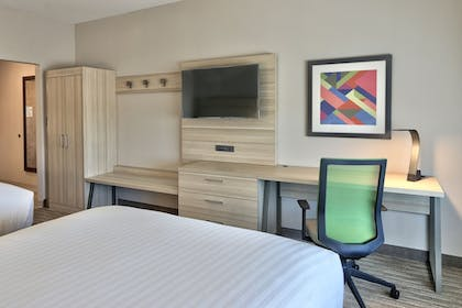 Guestroom | Holiday Inn Express & Suites Roswell