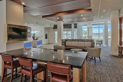 Lobby | Holiday Inn Express & Suites Roswell
