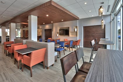 Featured Image | Holiday Inn Express & Suites Roswell