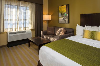 Guestroom | Best Western Plus Franciscan Square Inn and Suites