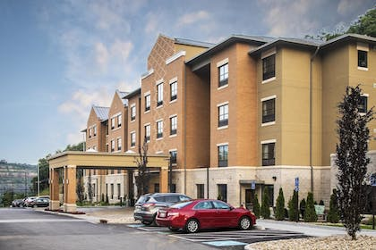 Hotel Front | Best Western Plus Franciscan Square Inn and Suites