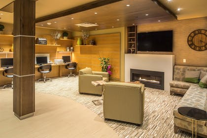 Lobby Sitting Area | Best Western Plus Franciscan Square Inn and Suites
