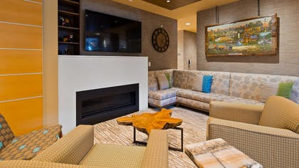 Lobby | Best Western Plus Franciscan Square Inn and Suites