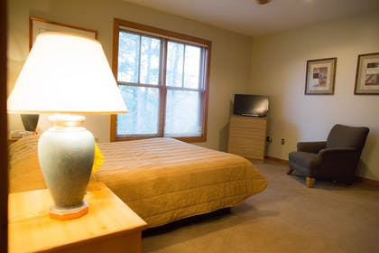 Guestroom | Heartwood Conference Center & Retreat