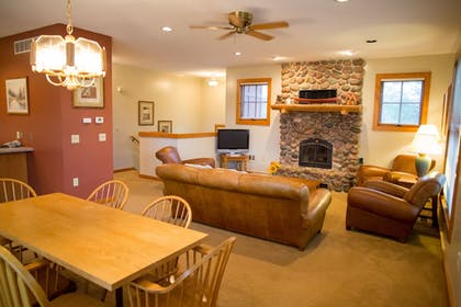 Living Room | Heartwood Conference Center & Retreat