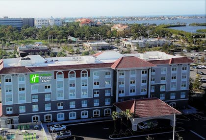 Exterior | Holiday Inn Express & Suites St. Petersburg - Seminole Area
