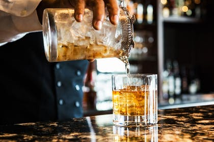 Hotel Bar | The Tennessean Personal Luxury Hotel