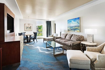 Living Area | The Tennessean Personal Luxury Hotel