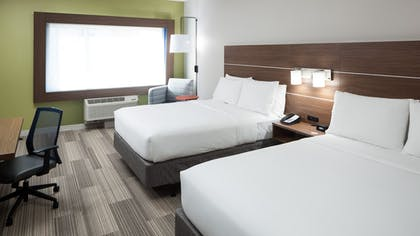 Guestroom | Holiday Inn Express & Suites Orlando at SeaWorld