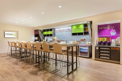 Restaurant | Home2 Suites By Hilton Youngstown West - Austintown