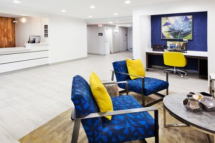 Lobby Sitting Area | Best Western Montgomery I-85 North Hotel